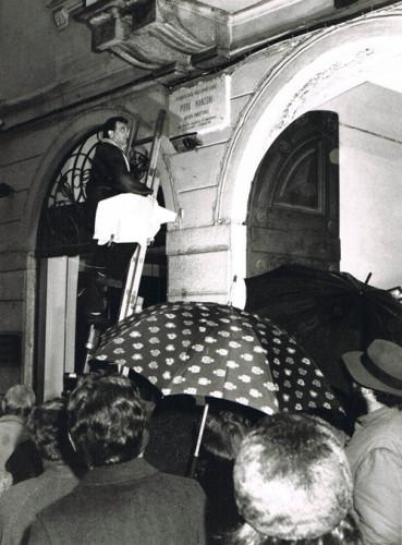 6 Febbraio 1988 alle ore 18, inaugurazione della lapide